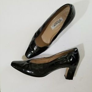 Rangoni of Florence   patent leather pumps 9